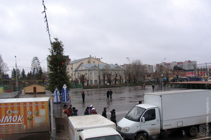 Новогодняя площадь Ленина