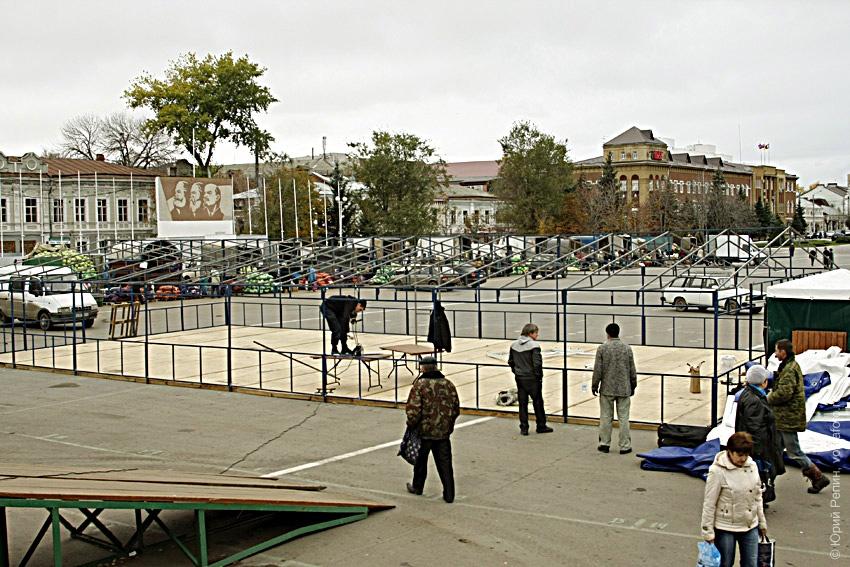 Строительство на площади Ленина