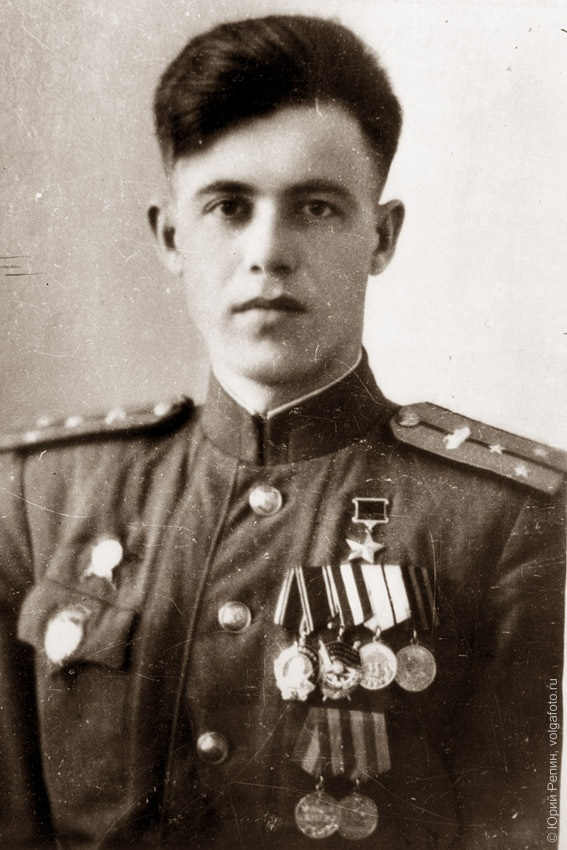 Суханов Виталий Фёдорович (22.10.1923 – 09.09.1988), Герой Советского Союза