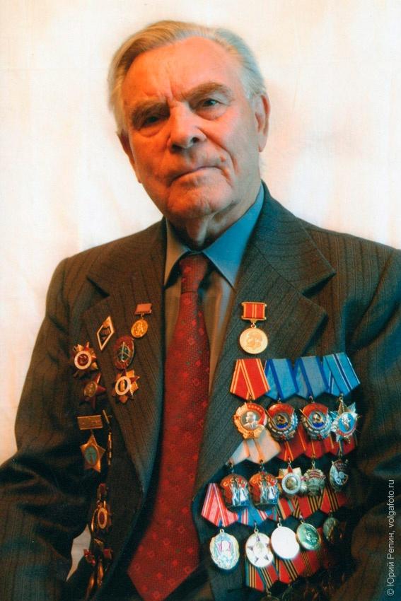 Шипулин Василий Аристархович, генеральный директор завода «Сигнал» (с 1957 по 1985 годы), ветеран Великой Отечественной войны
