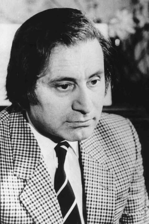 Шнитке Альфред Гарриевич (24.11.1934 – 1998), всемирно известный композитор, заслуженный деятель искусств РСФСР
