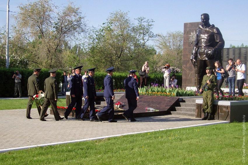 День Победы на старом кладбище