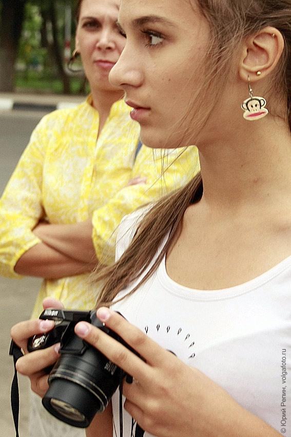 Девушки с фотоаппаратом