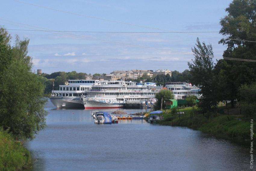 Корабли на Волге